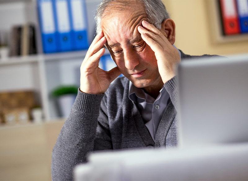 Anwendung des sanakey am Nervensystem, zum Beispiel bei Kopfschmerzen